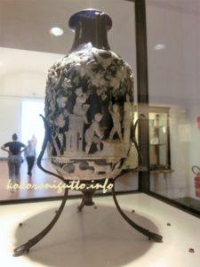 国立考古学博物館青いガラス壺
